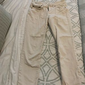 Vineyard vines cream cropped jeans size 2!